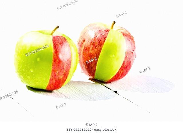 grüner und roter Apfel