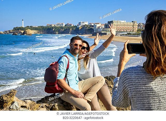 Guide with tourists, Tour, Basque Coast, Biarritz, Aquitaine, Pyrenees Atlantiques, France, Europe