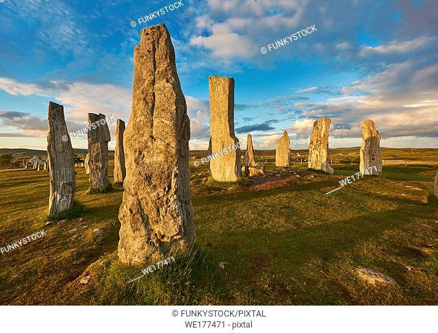 Calanais Standing Stones central stone circle erected between 2900-2600BC measuring 11 metres wide. At the centre of the ring stands a huge monolith stone 4