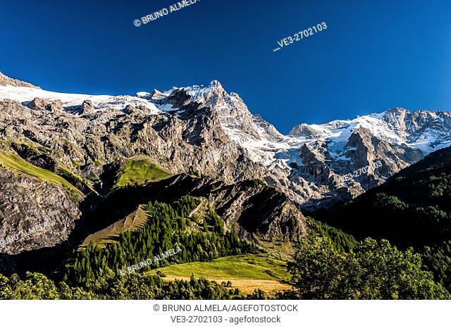 View of Meije Peak from La Grave (Hautes-Alpes Department, Region of Provence-Alpes-Côte d'Azur, France). This peak belongs to Ecrins National Park