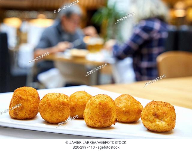 Croquettes, Restaurante Bar Virginia Mendibil Menus & Fast Good, Mall, Centro Comercial Mendibil, Irun, Gipuzkoa, Basque Country, Spain