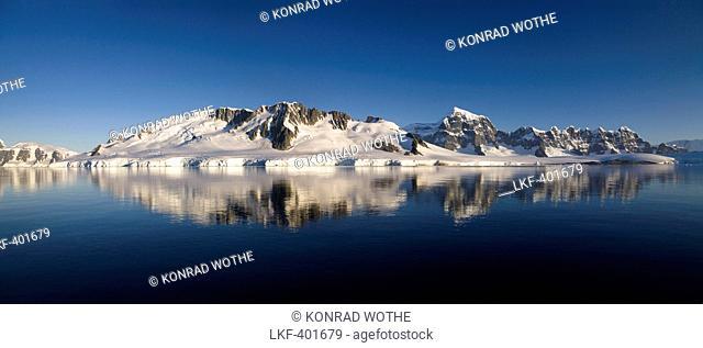 Wiencke Island at Port Lockroy, Neumayer Channel, Palmer Archipelago, Graham Land, Antarctic Peninsula, Antarctica