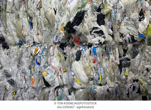 recycling plant for plastic and paper waste