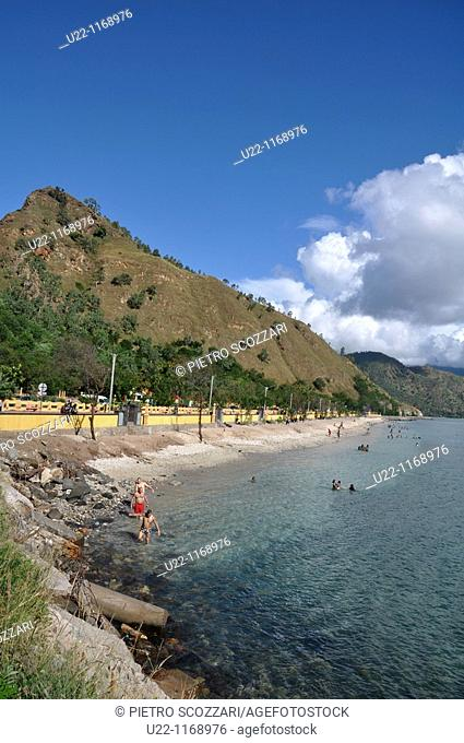 Dili (East Timor): the Cristo Rei's beach