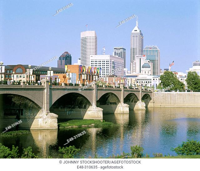 Downtown skyline and White River State Park. Indianapolis. Indiana, USA