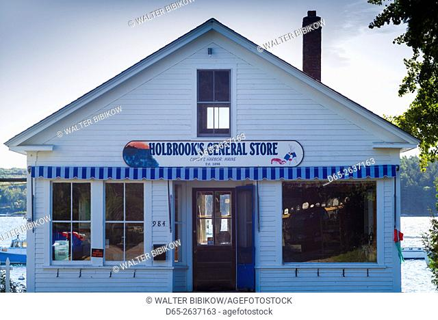 USA, Maine, Cundy's Harbor, Holbrook's General Store