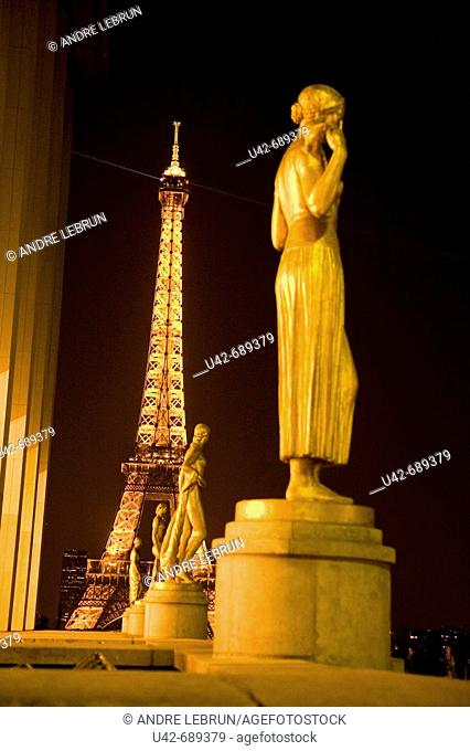 France. Paris. Gilded bronze statues standing in the square of Palais de Chaillot in Paris. 2007
