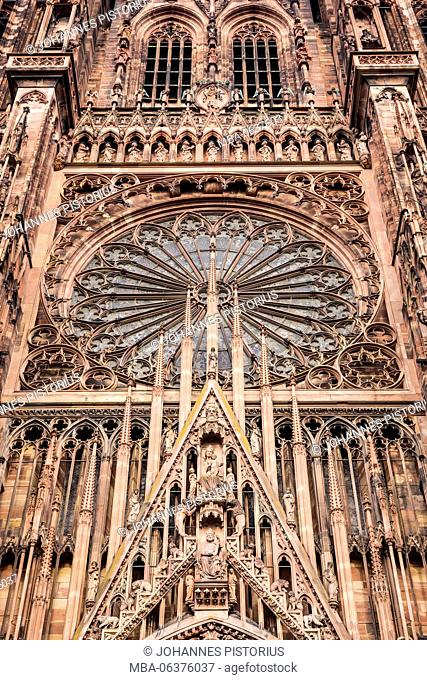 Europe, France, Grand Est, Strasbourg, harp tracery and rose of the west facade of Strasbourg Cathedral / Cathedral of Our Lady of Strasbourg