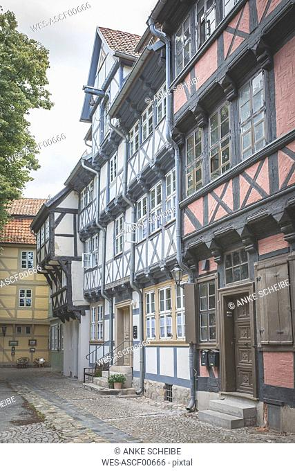 Germany, Quedlinburg, row of half-timbered houses