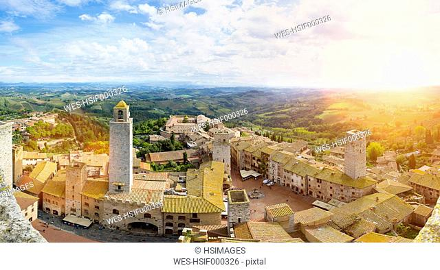 Italy, Tuscany, San Gimignano, view to city