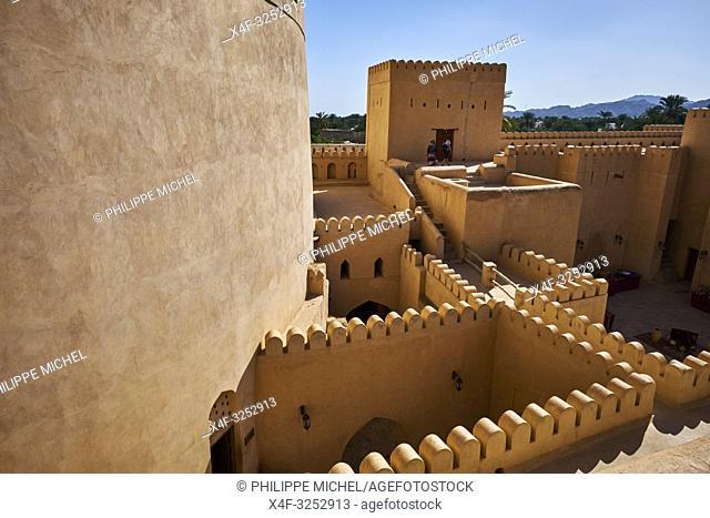 Sultanat d'Oman, gouvernorat de Ad-Dakhiliyah, Nizwa, le fort du XVIIe siècle / Sultanate of Oman, Ad-Dakhiliyah Region, Nizwa, the 17 century fort