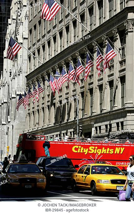 USA, United States of America, New York City: Midtown Manhattan, 5th Avenue. Skas Fifth Avenue Department Store, fashion house