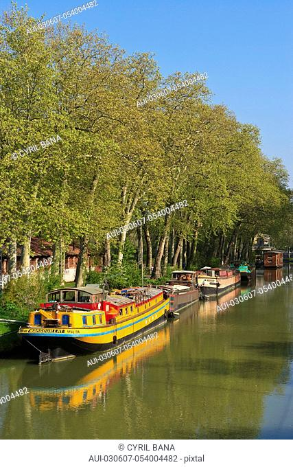 France, Toulouse, Canal du Midi, barge, scenery
