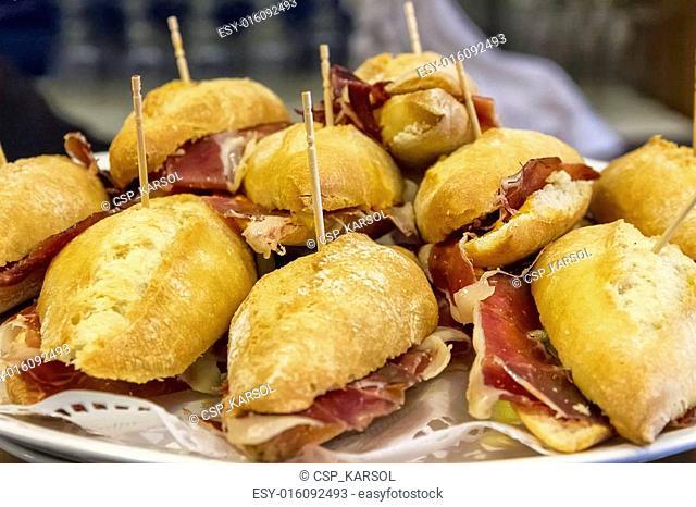 Typical Pintxo, Ham