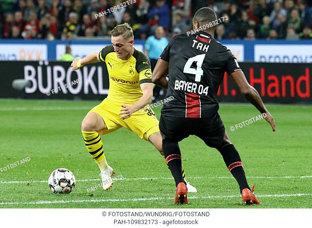 Leverkusen, Germany 29th September 2018: 1.BL - 18/19 - Bayer Leverkusen vs. Germany. Bor. Dortmund v. li. im duels Jacob Bruun Larsen (Dortmund) and Jonathan...