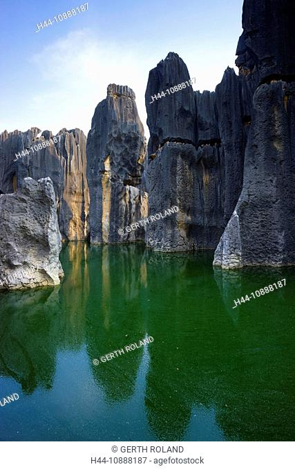 Shilin Stone Forest, China, Asia, stone wood, cliff forms, cliff needles, erosion, karst, formations, lake, sea