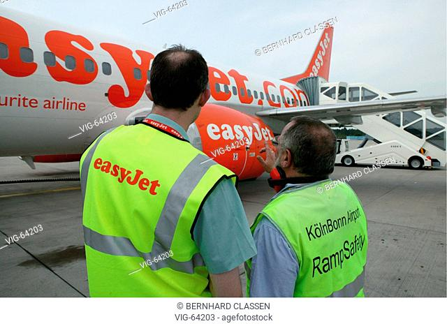 Passenger plane of the airline easyJet, which offers flights from the Konrad-Adenauer airport Cologne-Bonn since 09/06/04