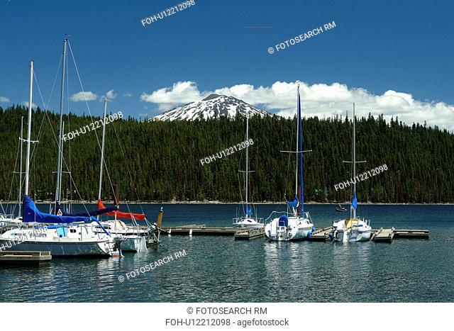 Deschutes National Forest, OR, Oregon, Mount Bachelor, Cascade Lakes National Scenic Byway, Cascade Range, Lava Lakes, marina, boats