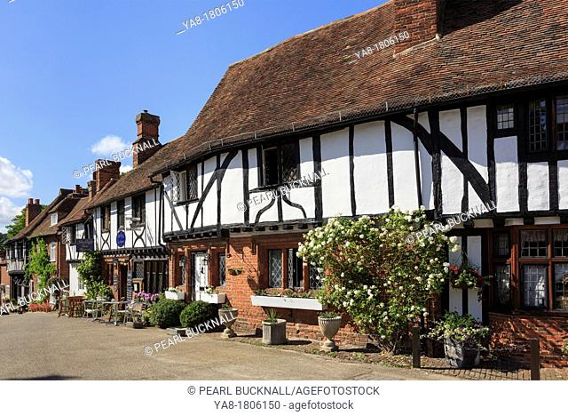Chilham, Kent, England, UK, Britain, Europe  Row of timber-framed houses in picturesque medieval Kentish village square