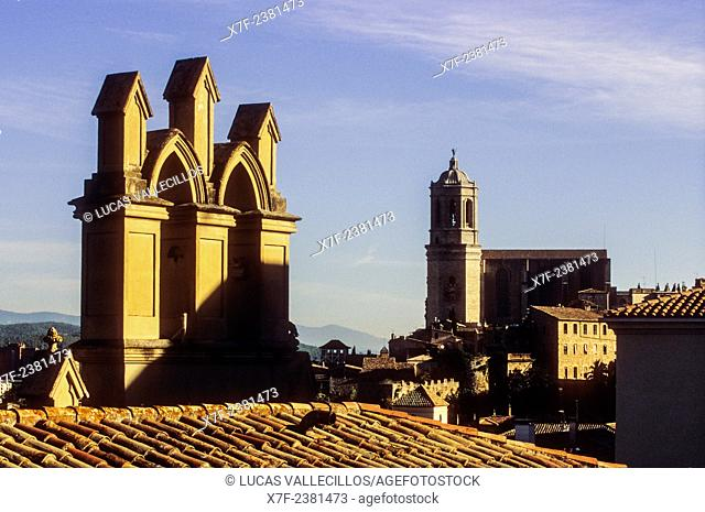 city †‹†‹skyline, at right Catedral,Girona,Catalonia, Spain