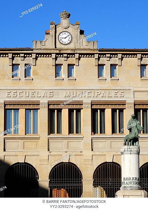 Escuelas Municipales and San Francisco, Pamplona, Spain