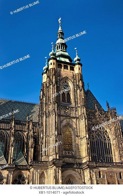 Main tower of the gothic St  Vitus Cathedral, build from 1344 at Prague Castle, Prague, Hlavni mesto Praha, Czech Republic