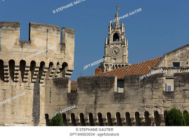 14TH CENTURY CITY WALLS AND THE ALBANE TOWER OR JACQUEMART TOWER, BELFRY OF THE CITY HALL, CITY OF AVIGNON CALLED CITY OF THE POPES AND LISTED AS A WORLD...
