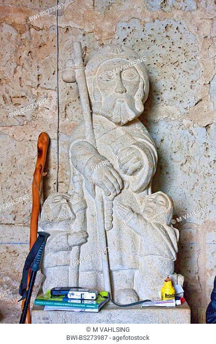 little skulpture of holy Jakobus with utensis of pilgrims, Spain, Kastilien & Leon, Burgos, San Nicols de Puente Fitero