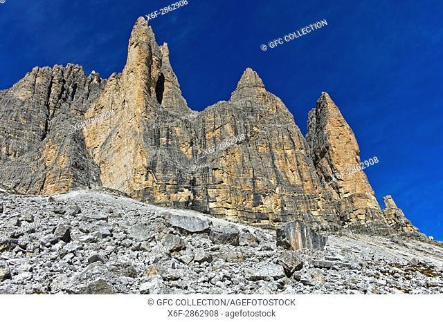 Boulders abd scree beneath the South face of the Three Peaks Mountains, Tre Cime di Lavaredo, Drei Zinnen, Sexten Dolomites, South Tyrol, Trentino-Alto Adige