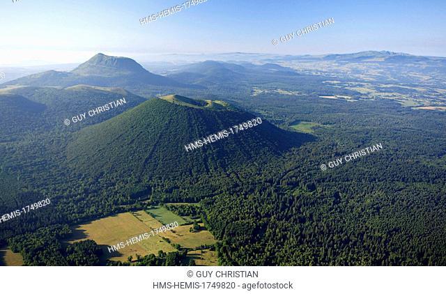 France, Puy de Dome, Parc Naturel Regional des Volcans d'Auvergne (Natural regional park of Volcans d'Auvergne), Chaine des Puys, Orcines