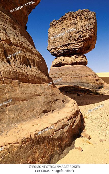 Rock formation at Tin Akachaker, Tassili du Hoggar, Wilaya Tamanrasset, Algeria, Sahara, Africa