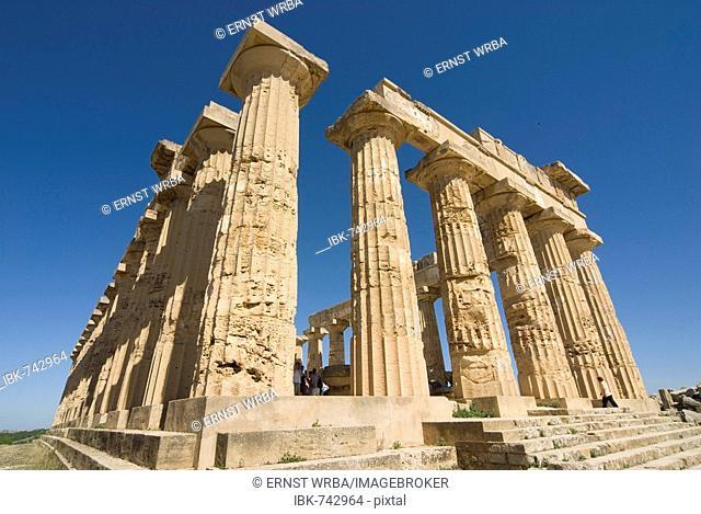 Columns, Tempel E (Temple of Hera), Selinunte, Sicily, Italy