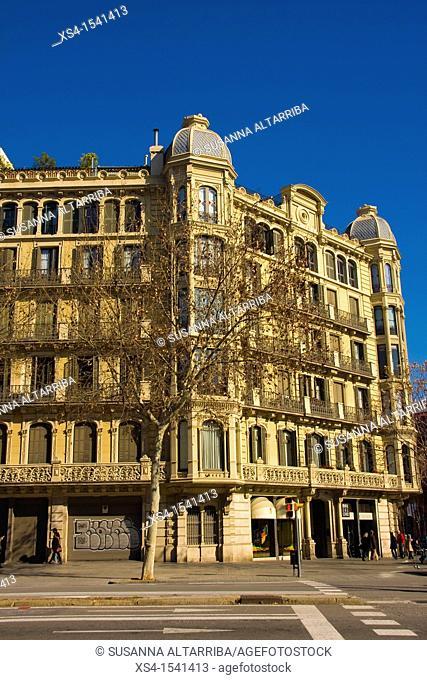 House 'CASA EULÀLIA ARTÉS DE MAYOLAS', built in 1897-1898, by Salvador Viñals Sabaté, eclectic design, on Barcelona, Passeig de Sant Joan, 84 bis, Spain, Europe