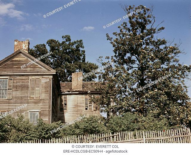 House near White Plains, Georgia, photograph by Jack Delano, 1941