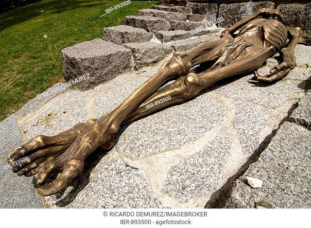 Sculpture, Natzweiler Struthof concentration camp memorial, Cimetiere du Pere Lachaise, Paris cemetery, France, Europe