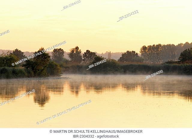Houseboat on the Seille river, near Cuisery, Tournus, Burgundy region, Saône-et-Loire department, France, Europe