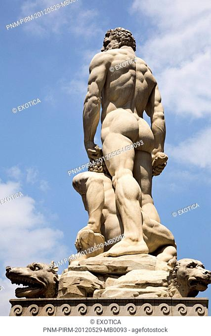 Hercules and Cacus statues in front of the Palazzo Vecchio, Piazza Della Signoria, Florence, Tuscany, Italy