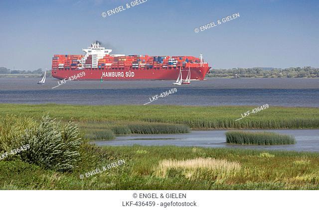 Container ship Santa Rosa from the shipping company Hamburg Sued on the Elbe near Stade, Hamburg, Germany