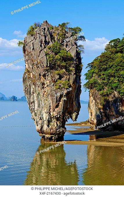 Thailand, Phang Nga Bay, Ao Phang Nga national parc, Ko Khao Phing Kan island, Ko Tapu rock or James Bond rock