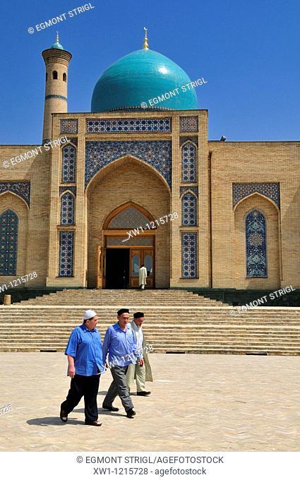 uzbek men in front of a mosque, Tashkent, Uzbekistan, Central Asia