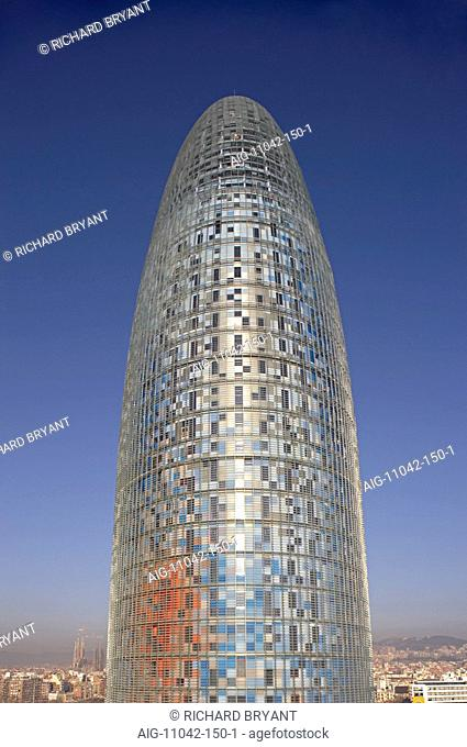 Torre Agbar, Barcelona, Catalonia, 2005. Exterior. Architect: Jean Nouvel in collaboration with b720 Arquitectura, Garcia-Ventosa Arquitectura