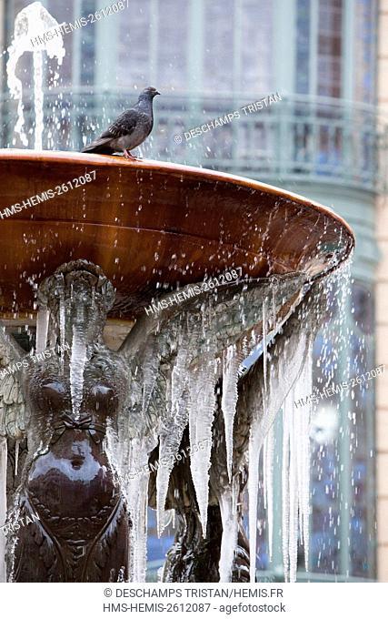 France, Haute Garonne, Toulouse, Fountain Square Trinity in winter