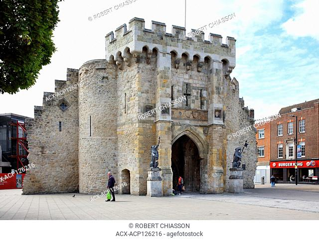 Built between 1100 and 1300 AD, Bargate is what remains of the north-facing gatehouse leading what was then the centre of the city of Southampton