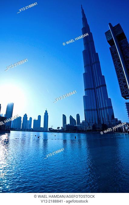 silhouette of Burj Khalifa, Burj Dubai, the tallest building in the world in Dubai