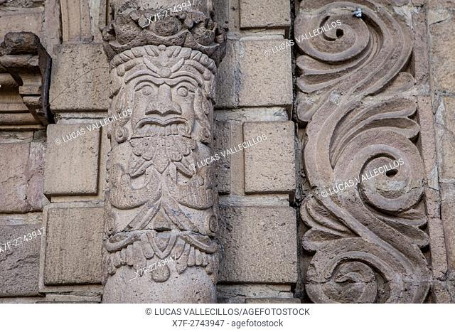 Detail of main facade, San Francisco Church on the plaza of the same name, founded in 1548 and rebuilt 1784, La Paz, Bolivia
