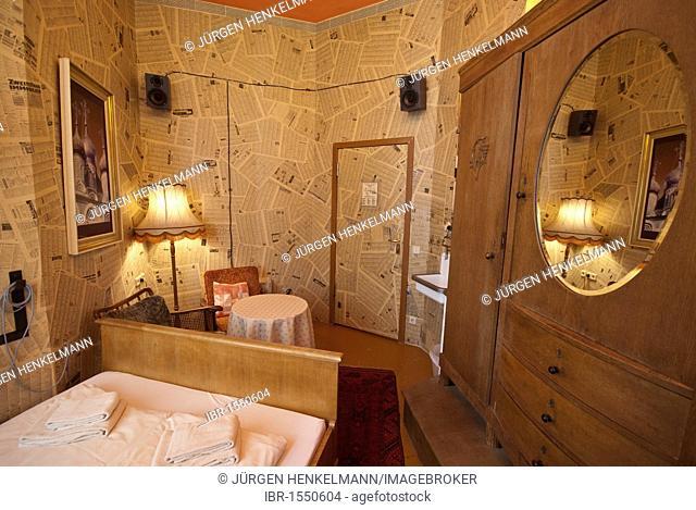 Room 27, Grandma's, Propeller Island City Lodge Hotel, habitable work of art, designed and decorated by the artist Lars Stroschen, Albrecht-Achilles-Strasse