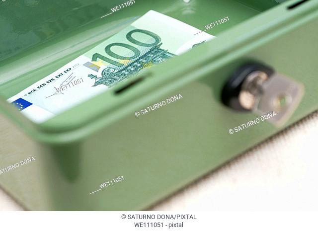 100 Euro Inside Money Box