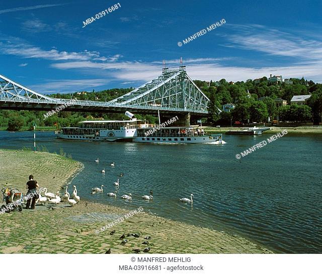 Germany, Saxony, Dresden, Loschwitzer bridge, blue miracle, trip-ship, river Elbe, construction, steel-bridge, formerly König-Albert-bridge