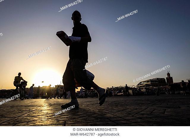 piazza djemaa el fna, marrakech, marocco