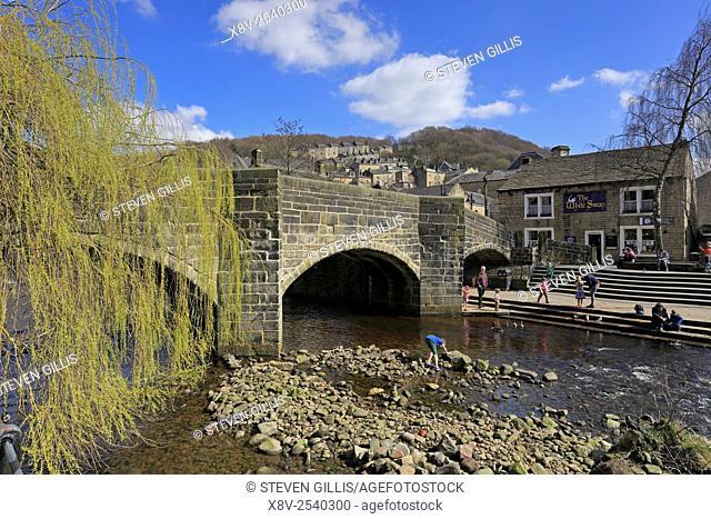 Packhorse bridge over Hebden Water, Hebden Bridge, West Yorkshire, England, UK
